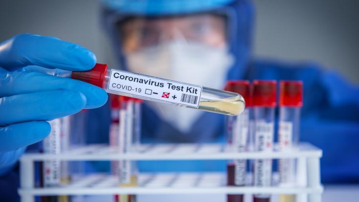 Koronavírus - 809-cel nőtt az azonosított fertőzöttek száma, hatan meghaltak Magyarországon