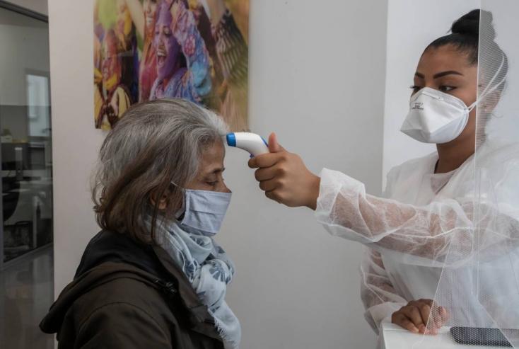 Koronavírus - Ezer fertőzött egy nap alatt Lengyelországban, 3200 Ukrajnában
