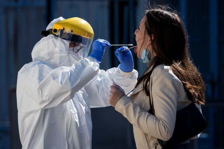 Koronavírus - Csaknem 300 az új fertőzöttek száma Szlovákiában!