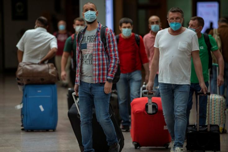 Koronavírus - A fertőzöttek száma több mint 11 millió, a halálos áldozatoké meghaladta az 530 ezret