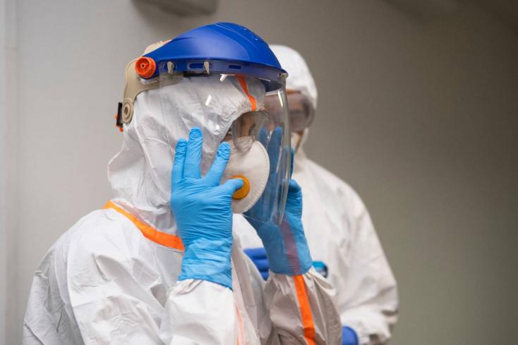 Az elmúlt 24 órában 180-nal nőtt a koronavírus-járvány halálos áldozatainak száma az Egyesült Királyságban