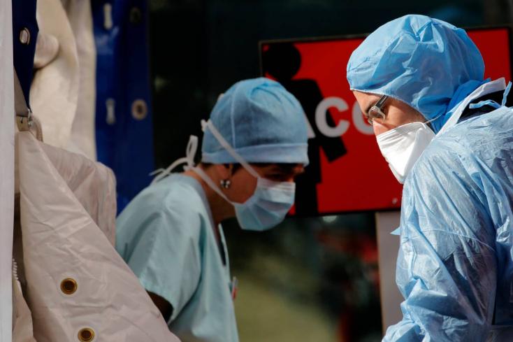 Amerikában meghalt egy koronavírusos csecsemő, de nem biztos, hogy a fertőzés miatt