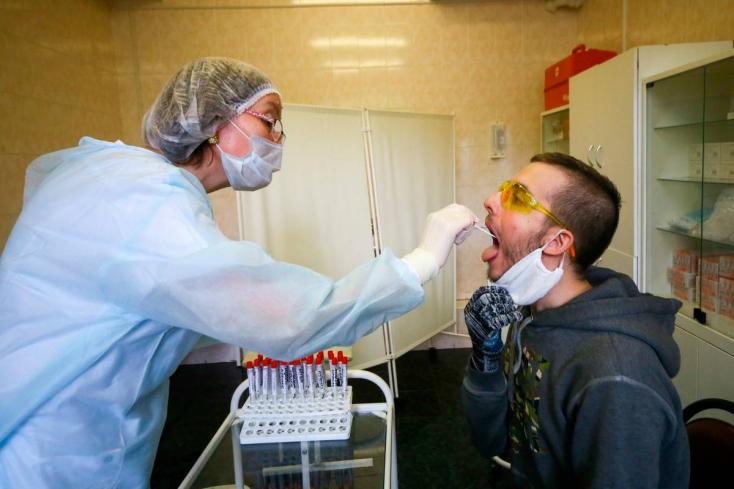 KORONAVÍRUS: Ismét ugyanannyi az új fertőzött, mint aki meggyógyult