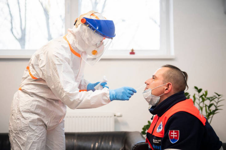 Tíz napra elegendő koronavírus-teszt maradt Szlovákiában
