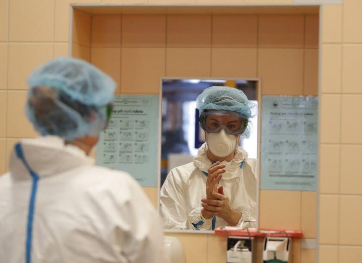 Koronavírus - Négy férfi és két nő a járvány újabb áldozatai közt Szlovákiában