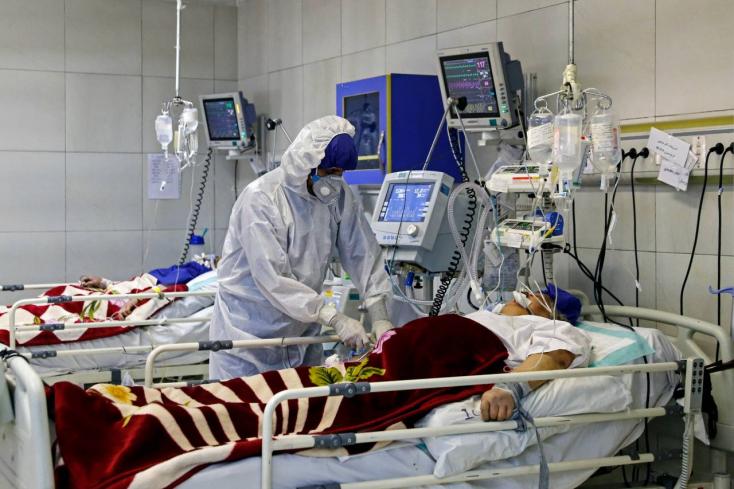Iránban már a vírus negyedik hulláma tombol, a fél országot lezárták