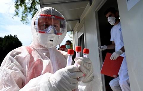 65 halott Magyarországon, 3286 fővel emelkedett a beazonosított koronavírus-fertőzöttek száma!