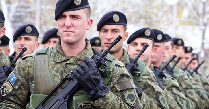 Létrejön a koszovói hadsereg, Szerbia izzad