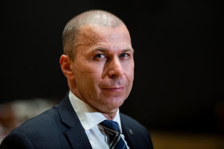 Meghallgatták a jelölteket, Kovaříkot javasolják országos rendőrfőkapitánynak