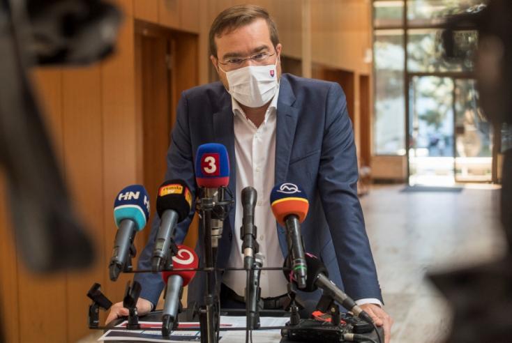 Krajčí azt javasolja, hogy Magyarország és Ausztria is kerüljön a rizikós országok közé