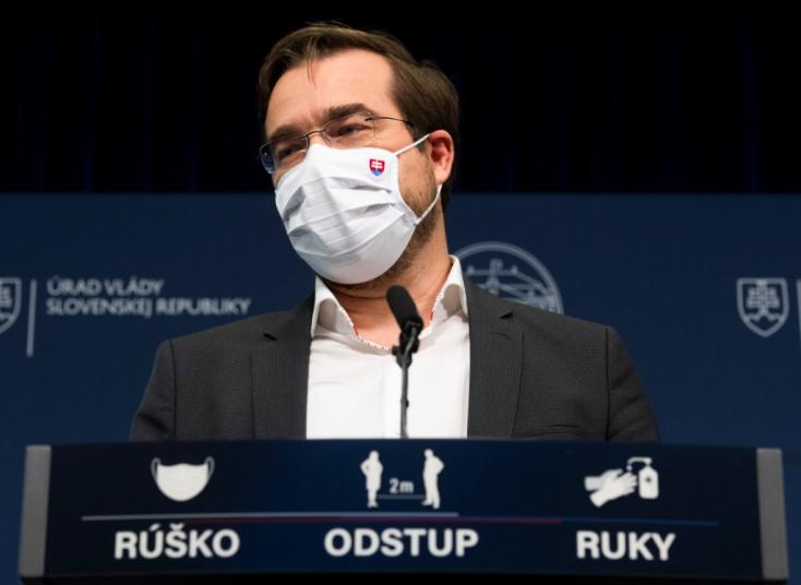 Krajčí választotta azt a laboratóriumot, amely miatt az oroszok duzzogtak és Matovič idiótának titulálta a szlovák tudósokat