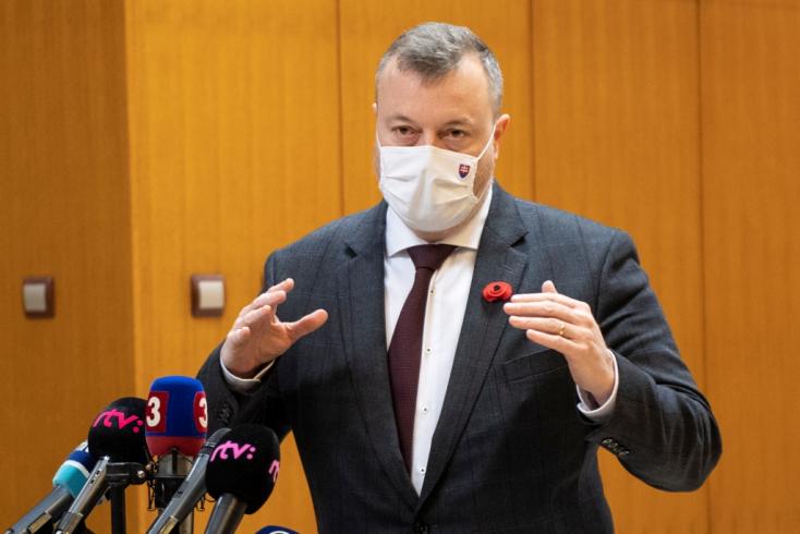 Addig hosszabbítja meg a kormány a veszélyhelyzetet, amíg szükséges - üzente Krajniak