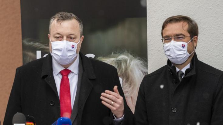 Krajčí és Krajniak visszatért a parlamentbe