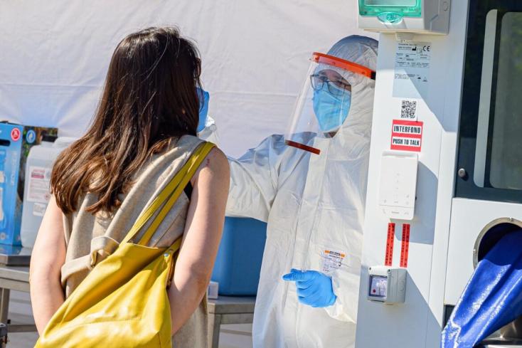 11 fertőzöttet találtalak Pozsony megyében, enyhe tüneteik vannak