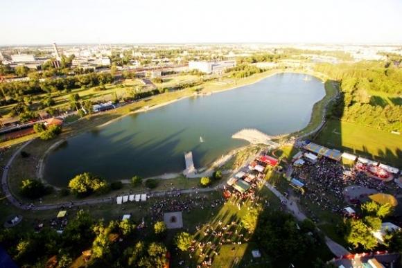 VIGYÁZAT: Nem alkalmas fürdésre ennek a népszerű tónak a vize