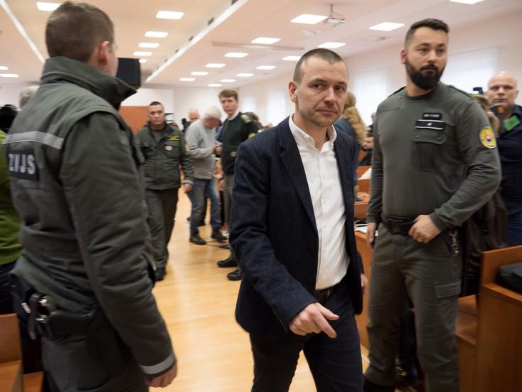 NAKA-nyomozók után most újságírókra csap le a rendszer: Meggyanúsították a Denník N szerkesztőit