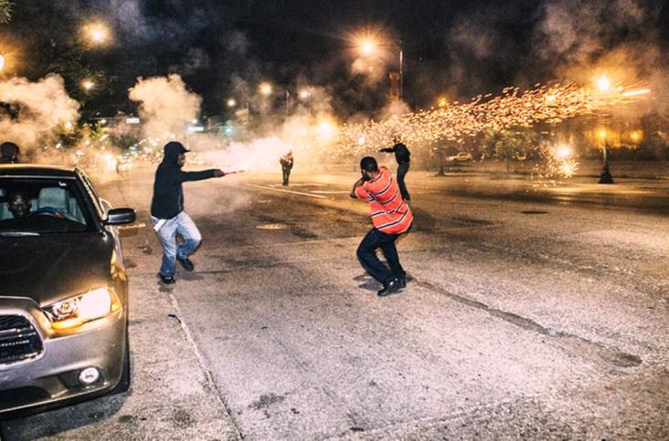 Tűzijátékkal bandaháborúznak a chicagoi gengszterpalánták