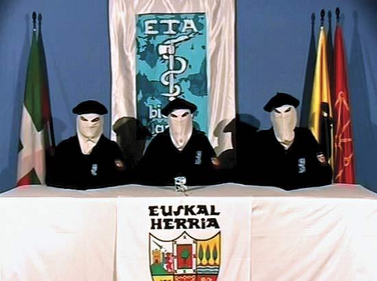 Emberiesség elleni bűntettekért indul eljárás az ETA terrorszervezet vezetői ellen