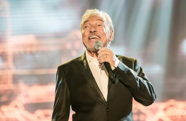 Újra koncertezik a rákbetegségből felépült Karel Gott