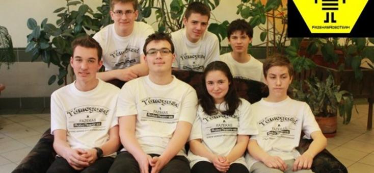 Fogadták a Fehér Házban a robotépítő verseny magyar győzteseit
