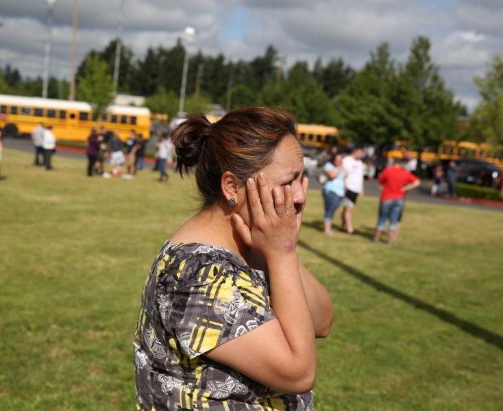 ISKOLAI LÖVÖLDÖZÉS: Sisakban és golyóálló mellényben gyilkolt egy középiskolás!