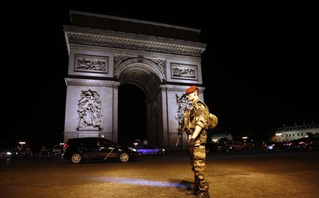 Tisztázta magát a párizsi támadással összefüggésben körözött férfi