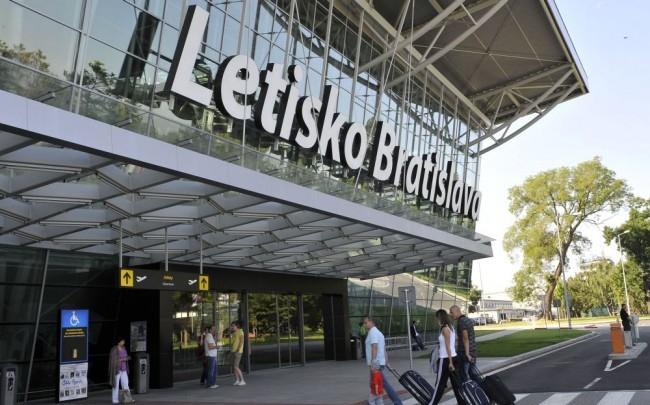 Nyolcéves maximumra nőtt tavaly a pozsonyi repülőtér utasforgalma