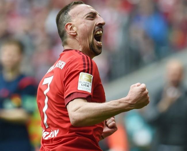 Hathetes kihagyás után újra edzett Ribéry