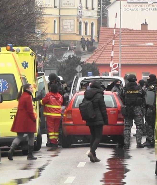 MÉSZÁRLÁS: Kilenc halálos áldozata van a vendéglői lövöldözésnek