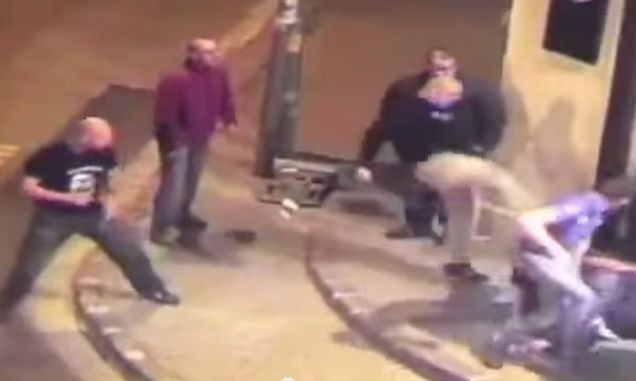 NYITRAI NEONÁCIK – Fejbe rúgta a nyitrai Mariatchi bár tulajdonosát – rács mögé kerül