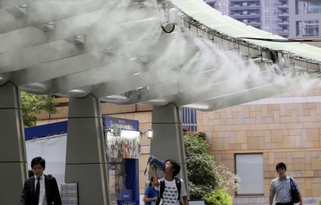 Japánban nyolcvanan meghaltak, és több tízezren kórházba kerültek a hőség miatt