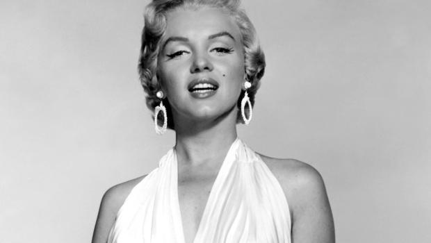 Akár félmillió dollárt fizethetnek Marilyn Monroe egykori autójáért