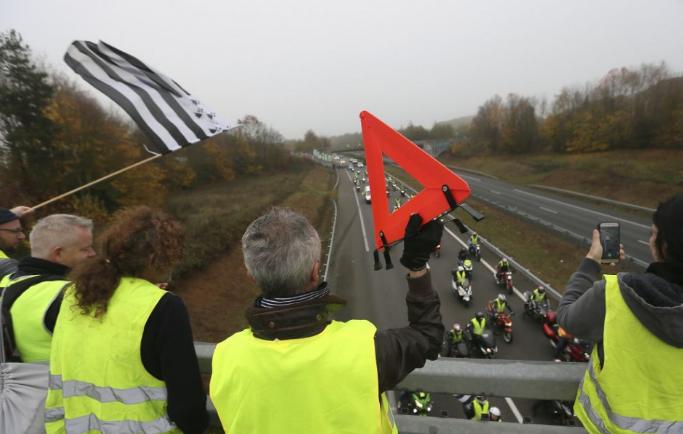 Újabb mérkőzést halasztottak el a hétvégi futballfordulóból a franciaországi zavargások miatt