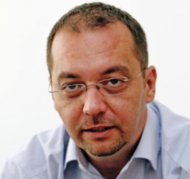 Rangos díjjal méltányolták Hégli Dusan szakmai kvalitásait