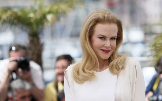 Benedict Cumberbatch és Nicole Kidman is díjat kapott a londoni színházi közönségtől