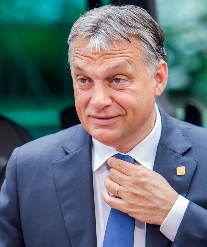 Március 15.: Utasításba adták, hogy vezényeljenek diákokat Orbán Viktor beszédére!