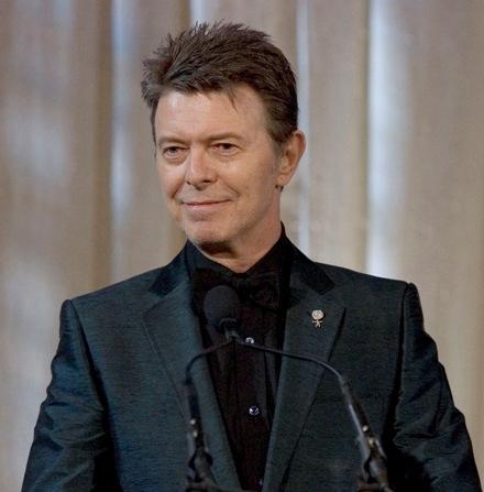 Elárverezték David Bowie luxusautóját