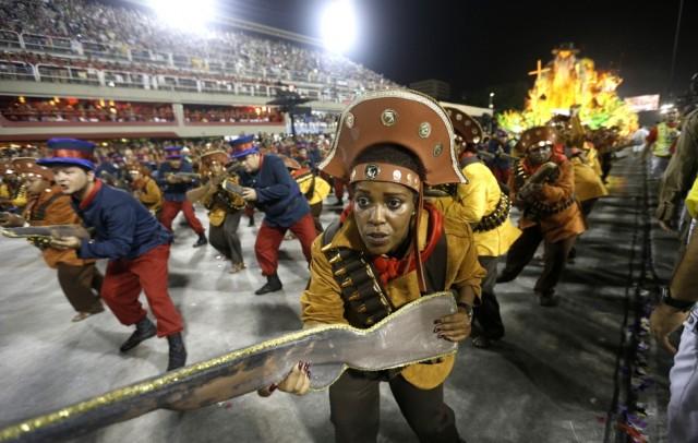 A jövő évi karnevál bojkottjával fenyegetőznek riói szambaiskolák