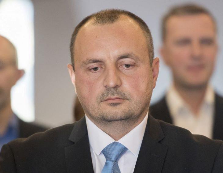 A védelmi bizottság beidézte Kyselicát