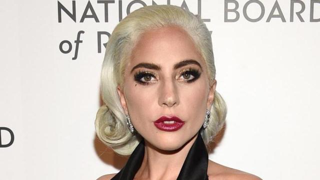 Lady Gaga már sajnálja, hogy a szexuális zaklatással vádolt R. Kellyvel énekelt duettet