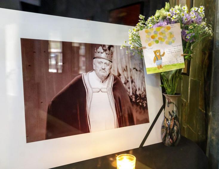 Lasica halála miatt nemzeti gyásznapot hirdetne ki a miniszter