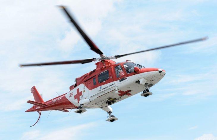 Mentőhelikoptert kellett hívni egy kerti tóban fuldokló kisfiúhoz