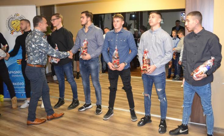 Tizenkilenc országos bajnoki címet nyertek idén a dunaszerdahelyi birkózók