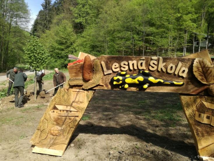 Erdei iskolákatlétesítettek Léván és Somoskőnszlovák és magyar erdőgazdaságok közösen