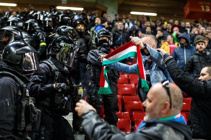 LEX DAC: Bűn lesz elénekelni a magyar himnuszt, és ezt a hidasok is megszavazták