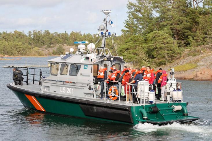 Zátonyra futott egy komp a Balti-tengeren