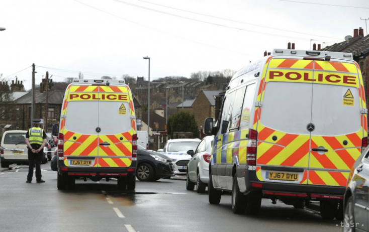 Belehajtott valaki a londoni ukrán nagykövet parkoló autójába, a rendőrök rálőttek az elkövető járművére
