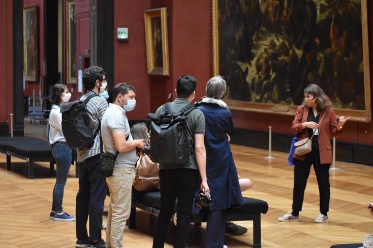 Már a világ leglátogatottabb múzeuma is nyitásra kész