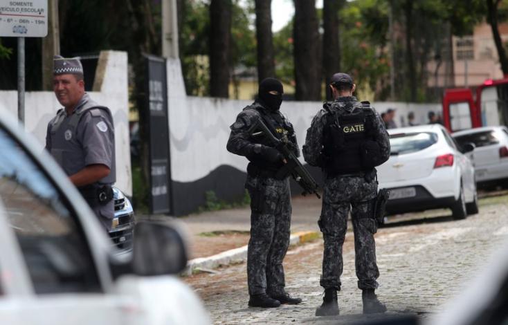 Csuklyás fiatalok lövöldöztek egy brazil iskolában - sokan meghaltak!