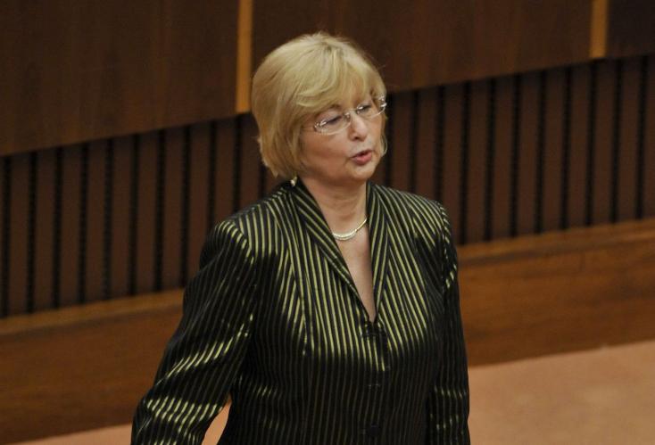 Felfüggesztette a Smer az agrodotációs botrányba keveredett Rošková tagságát